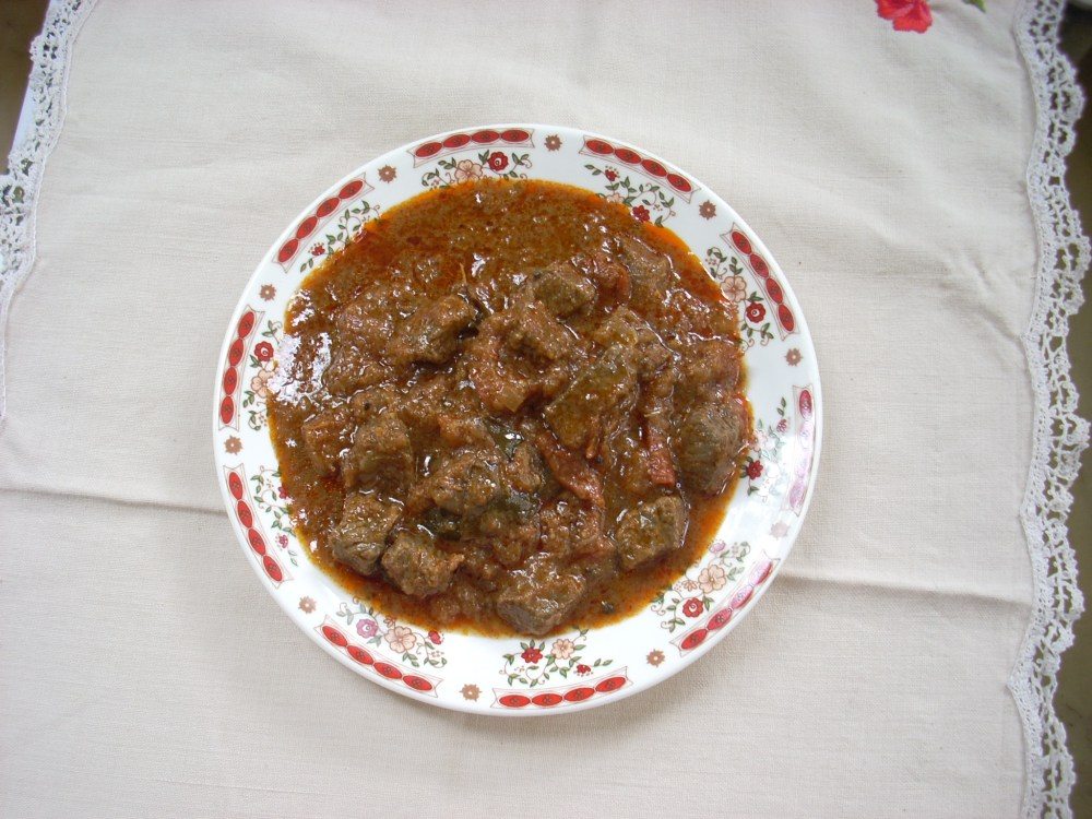 A SIMPLE ANGLO-INDIAN BEEF CURRY